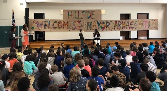 Hastings Mayor Armacost Visits Hillside - Interviewed by 3rd & 4th Grade Students